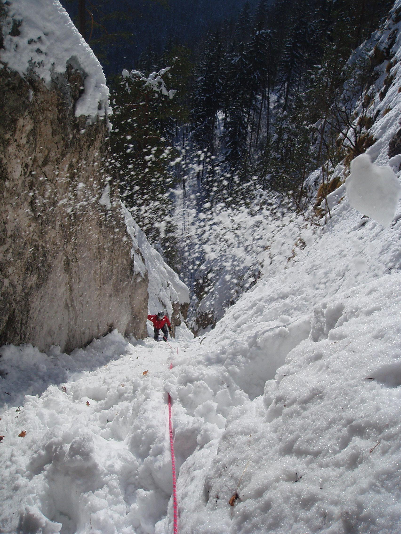Po Matjažu pada sneg :)