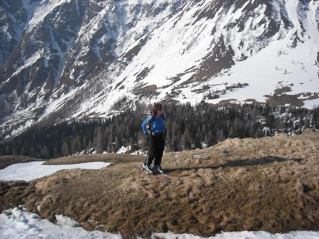 """Nekaj """"travarjenja"""" v spodnjem delu, v ozadju Jamnigova planina"""