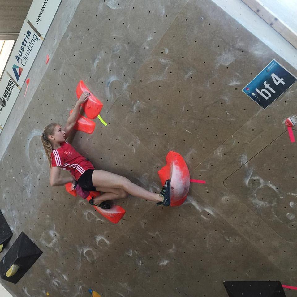 Evropsko mladinsko prvenstvo v balvanskem plezanju – Zan 13., Petra 15.